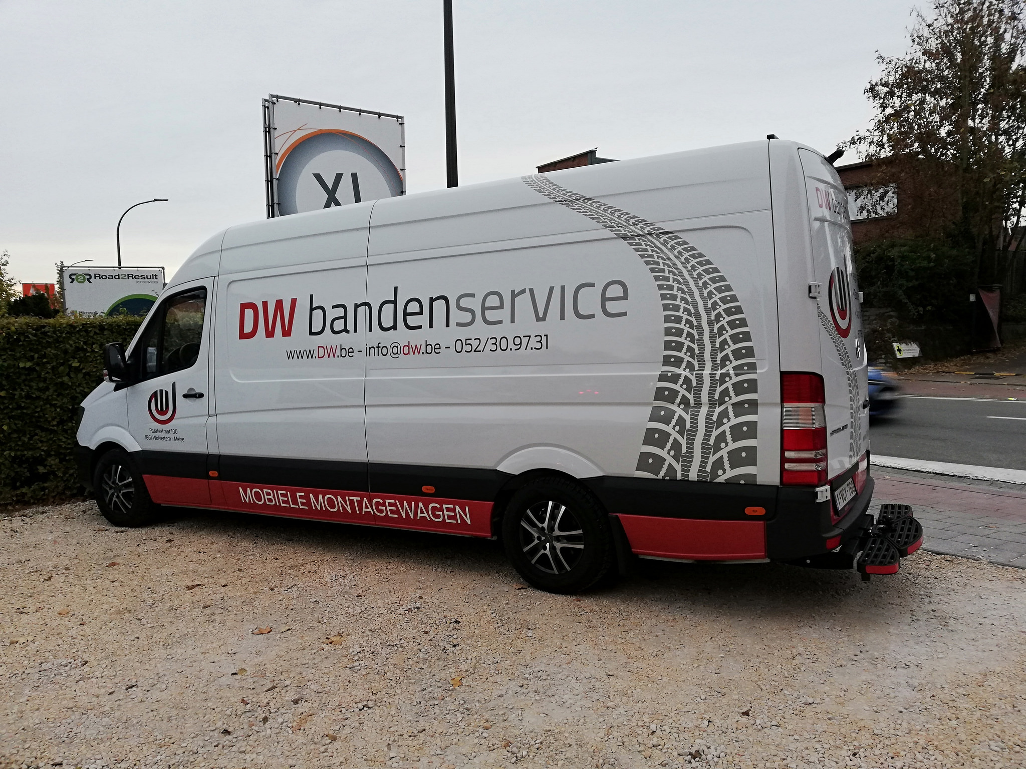 Autobelettering D.W. Bandenservice