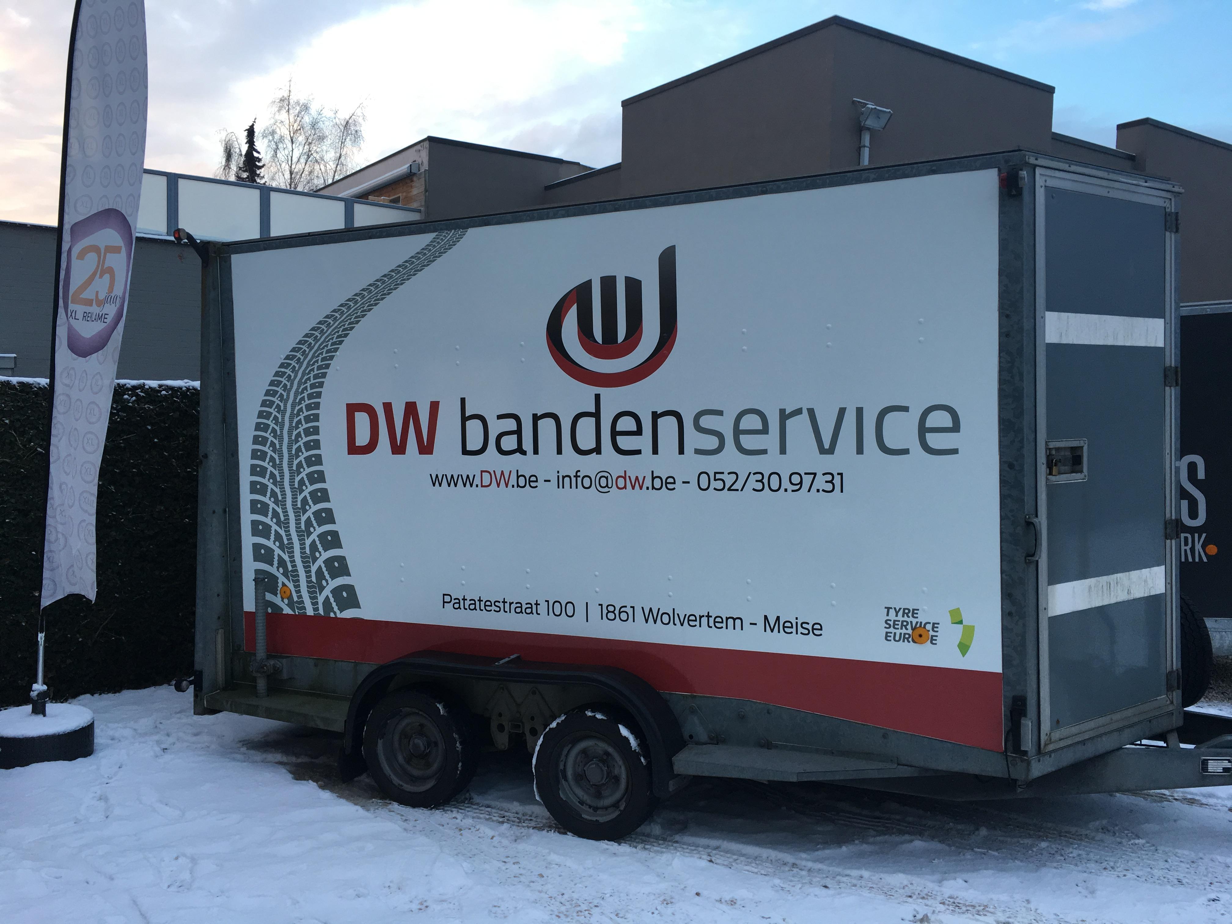 Belettering aanhangwagen D.W. Bandenservice