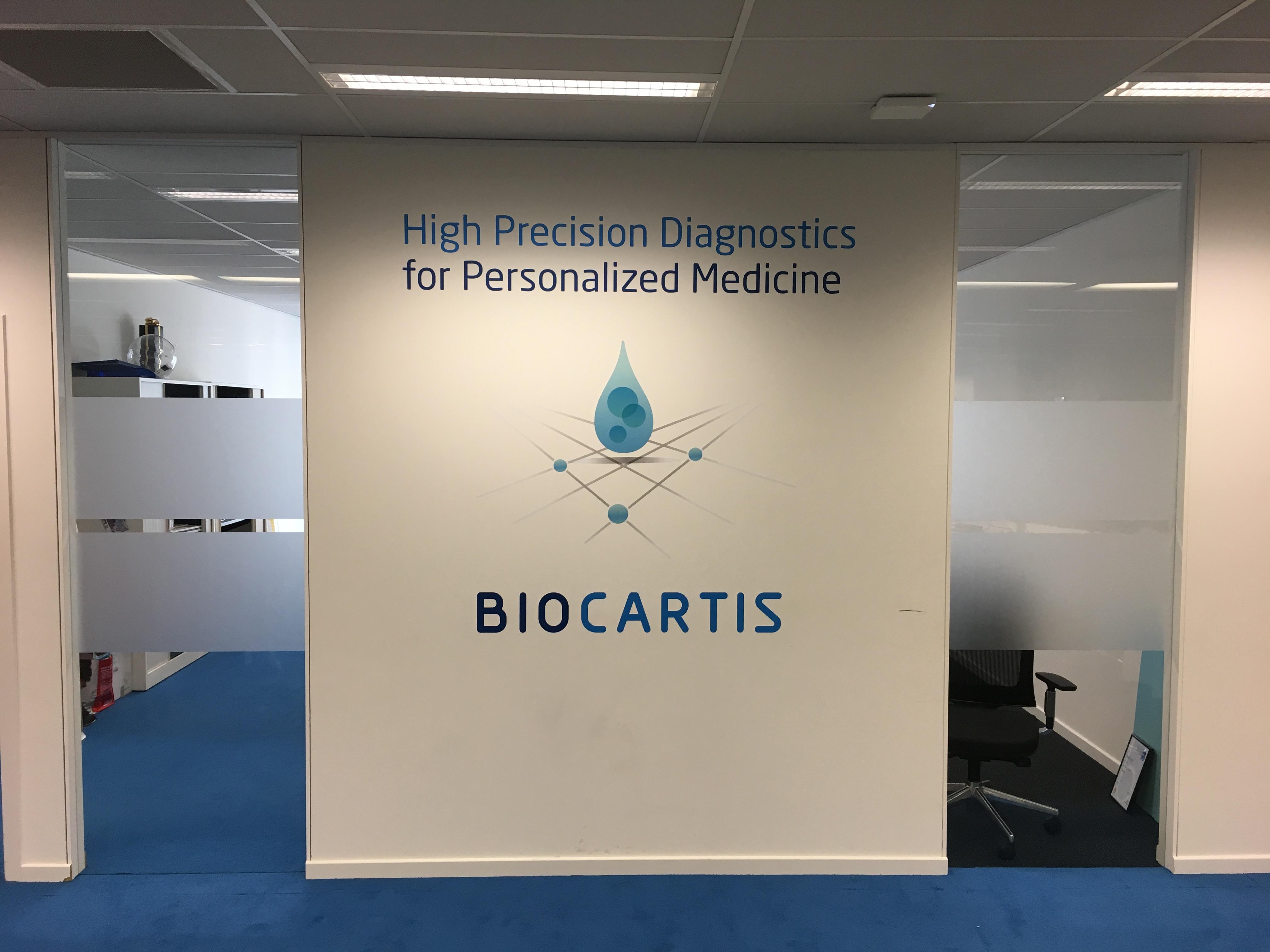 XL-Biocartis-Muursticker