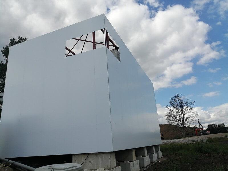 XL Reklame Mechelen - Plaatsing aluprofielen op werfcontainers Verelst